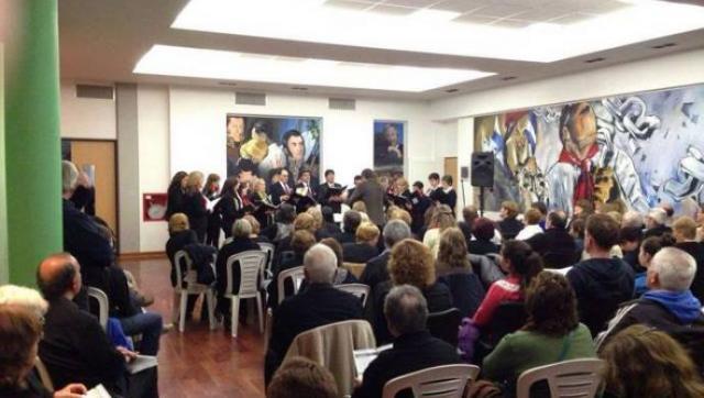 Se presentan el Grupo Coral 441 y el Coro Juvenil de la Sociedad Italiana de Merlo