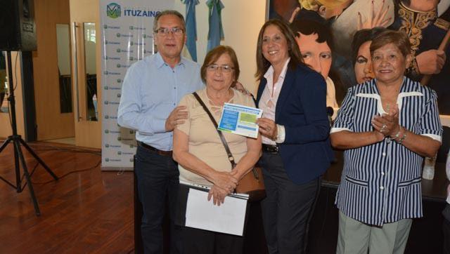El intendente lanzó la tarjeta Mi Descuento para vecinos mayores de 60