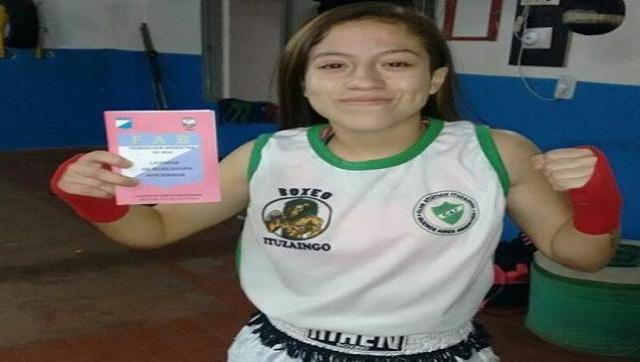 Una boxeadora de Ituzaingó con licencia de la FAB