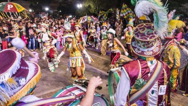 Masivos festejos por el Carnaval en Morón, San Martín e Ituzaingó
