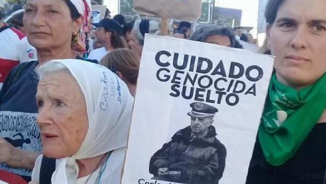 Si no hay justicia, hay escrache: potente repudio popular al represor escondido en Castelar