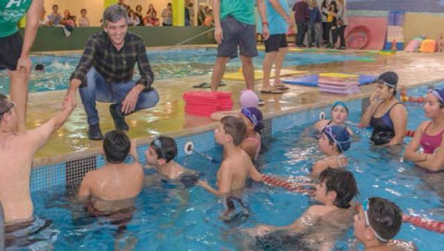 Zabaleta reinauguró la pileta climatizada del Polideportivo Municipal