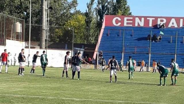 1 a 1 frente a Central Córdoba en el mítico estadio Gabino Sosa