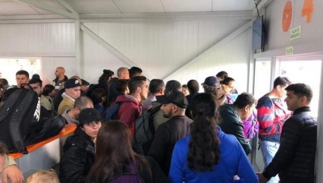 Escándalo en el Aeropuerto de El Palomar: los pasajeros hicieron piquetes
